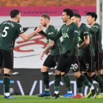 Michy Batshuayi do Crystal Palace reage após uma chance perdida em 13 de fevereiro de 2021