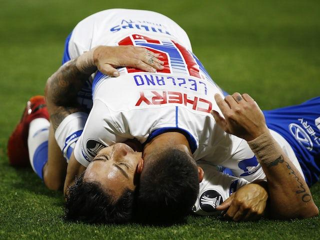 Fernando Zampedri from Universidad Católica celebrates his second goal with Gaston Lezcano in October 2020