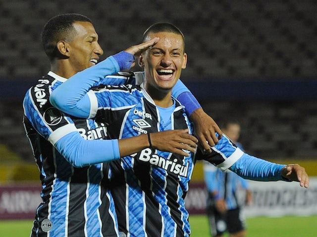 Ricardinho de Gremio celebrates his second goal on March 17, 2021