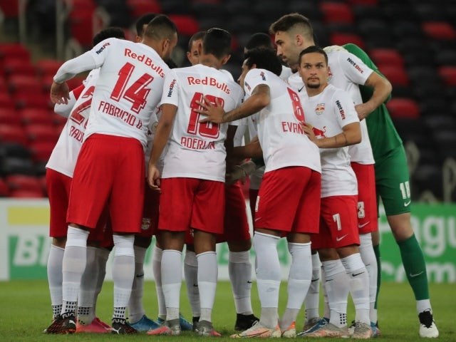 Red Bull Bragantino team huddles ahead of the game on June 20, 2021