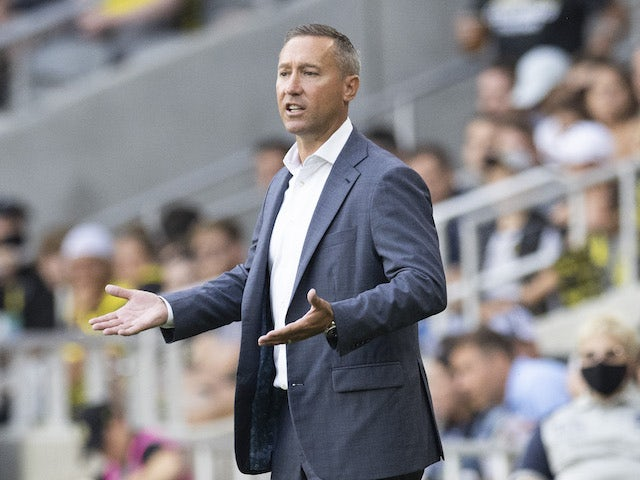 Columbus Crew head coach Caleb Porter directs his team in the first half against Atlanta United at Lower.com Field on August 7, 2021