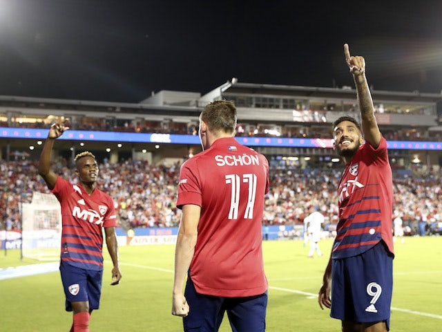 FC Dallas striker Jesus Ferreira (9) celebrates with his team-mates and fans after breaking on Jan.