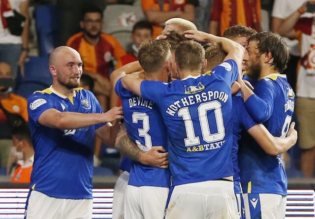 St. Johnstone's Jason Kerr celebrates his first goal with his teammates on August 5, 2021
