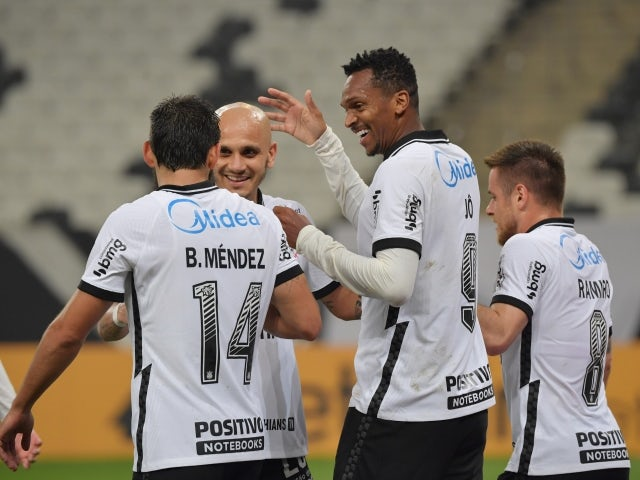 Jo from Corinthians will celebrate his second goal with his teammates on May 27, 2021