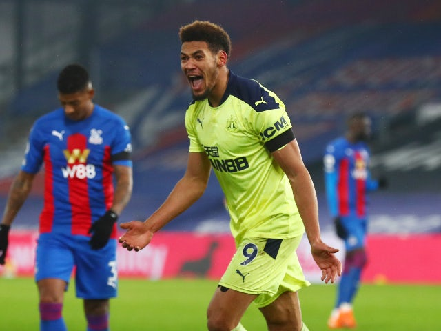 Joelinton celebrates his goal for Newcastle United against Crystal Palace in the Premier League on November 27, 2020