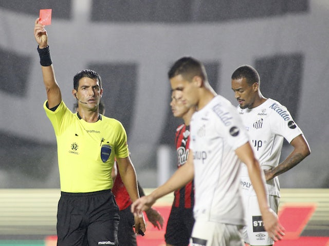 Santos' Kaiky will be shown the red card by referee Leodan Gonzalez on August 13, 2021