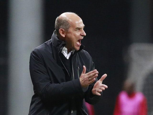 Zorya Luhansk head coach Viktor Skripnik yells during a Europa League game in October 2020