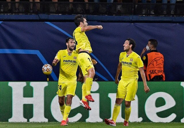 Villarreal's Manu Trigueros will celebrate his first goal with his teammates on September 14, 2021