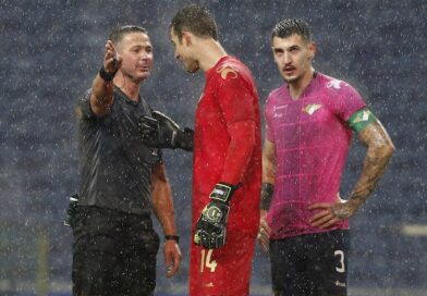 Moreirense players, including Mateus Pasinato, will speak to the referee in January 2021